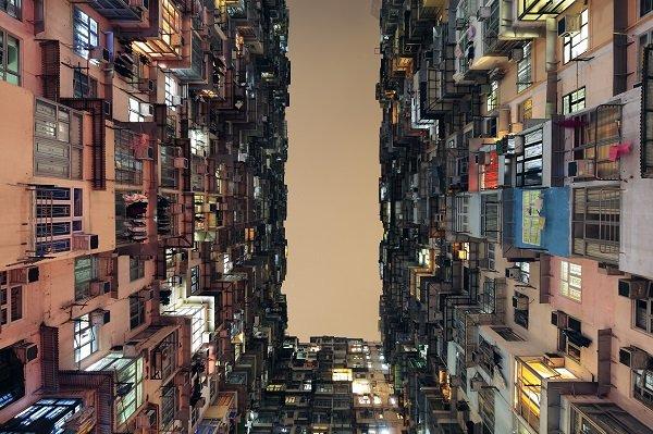 Buildings in use_Yick Cheong Building, Hong Kong_Photograph by Lingfei Tan + Song Han