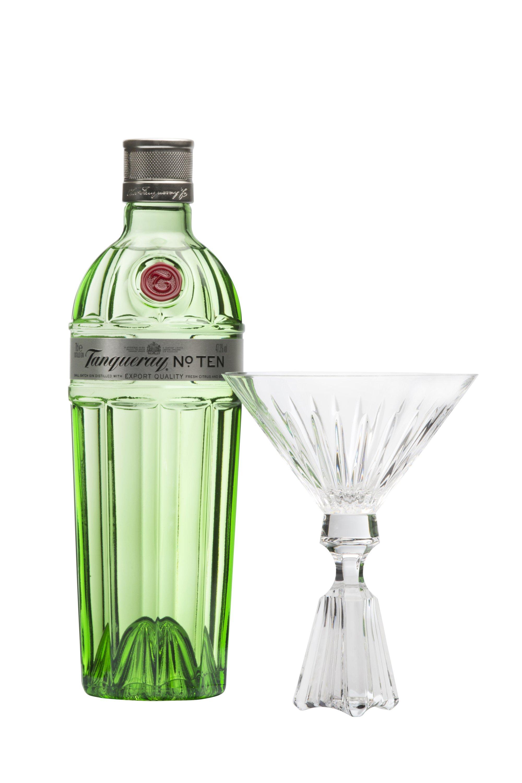 Lee Broom unveils The Perfect Ten Martini glass © Lee Broom