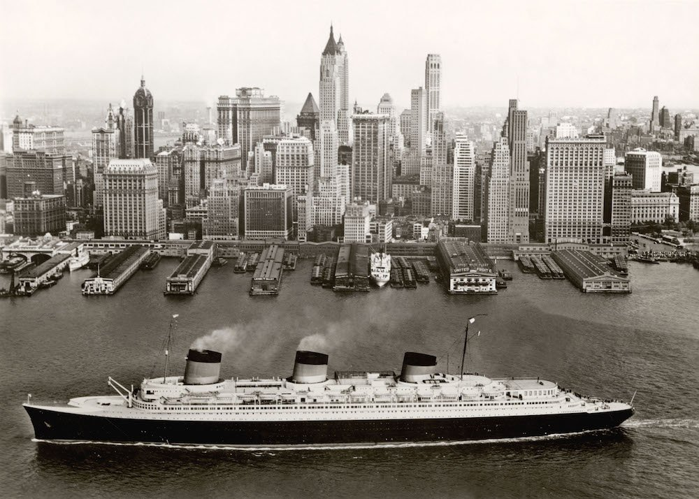 ormandie, New York (1935/39) collection French Lines © V&A 'Ocean Liners: Speed & Style'