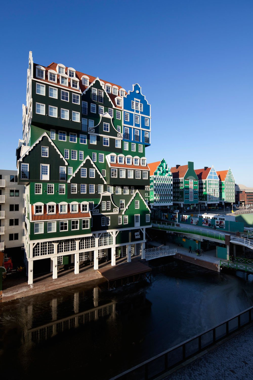 Amsterdam's Inntel Hotel by WAM Architecten © Frans lemmens/Alamy Stock Photo