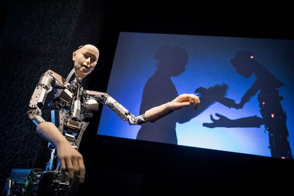 AI More than Human, Alter 3 © Hiroshi Ishiguro, Takashi Ikegami and Itsuki Doi - photo Credit Tristan Fewings Getty Images