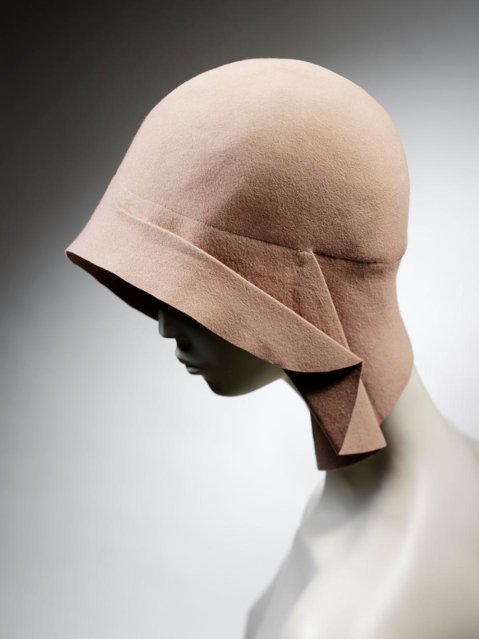 Streamline design informing this Cloche Hat. Miss Fox, 1928-29