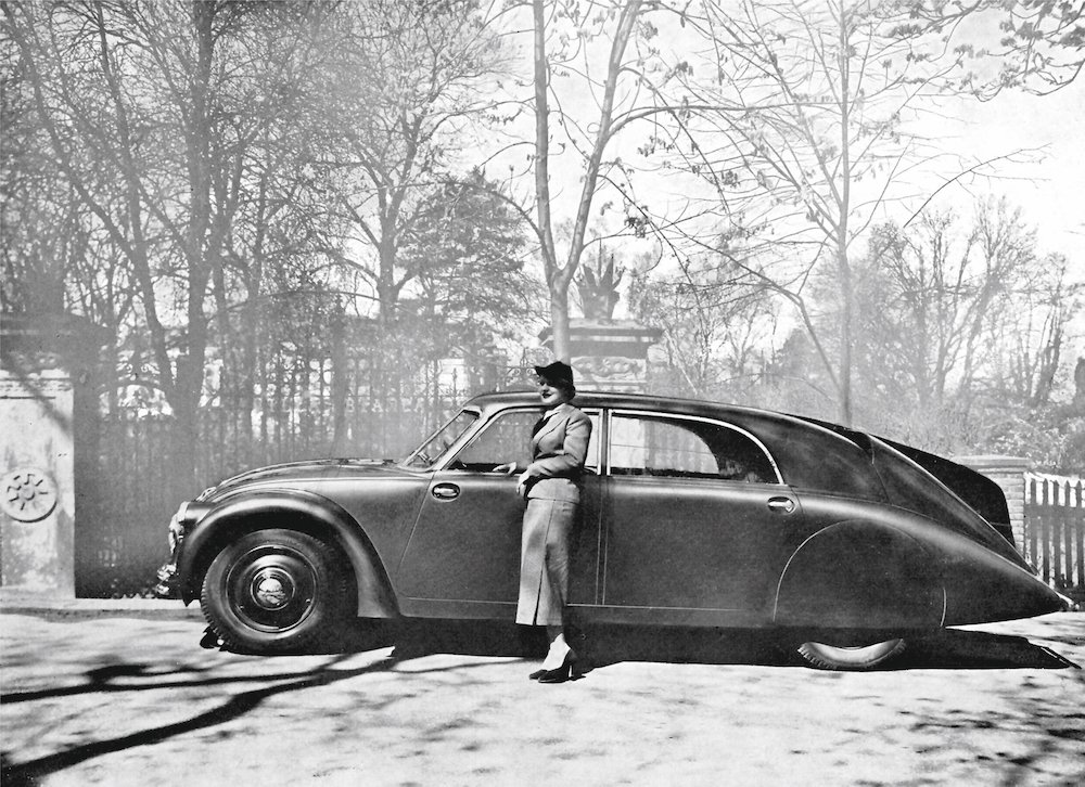 French advertisement (1934) for the Tatra 77