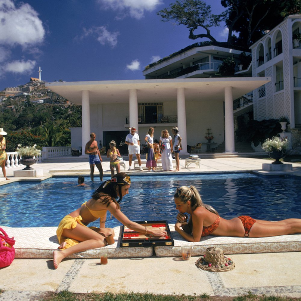 Poolside Backgammon, Slim Aarons