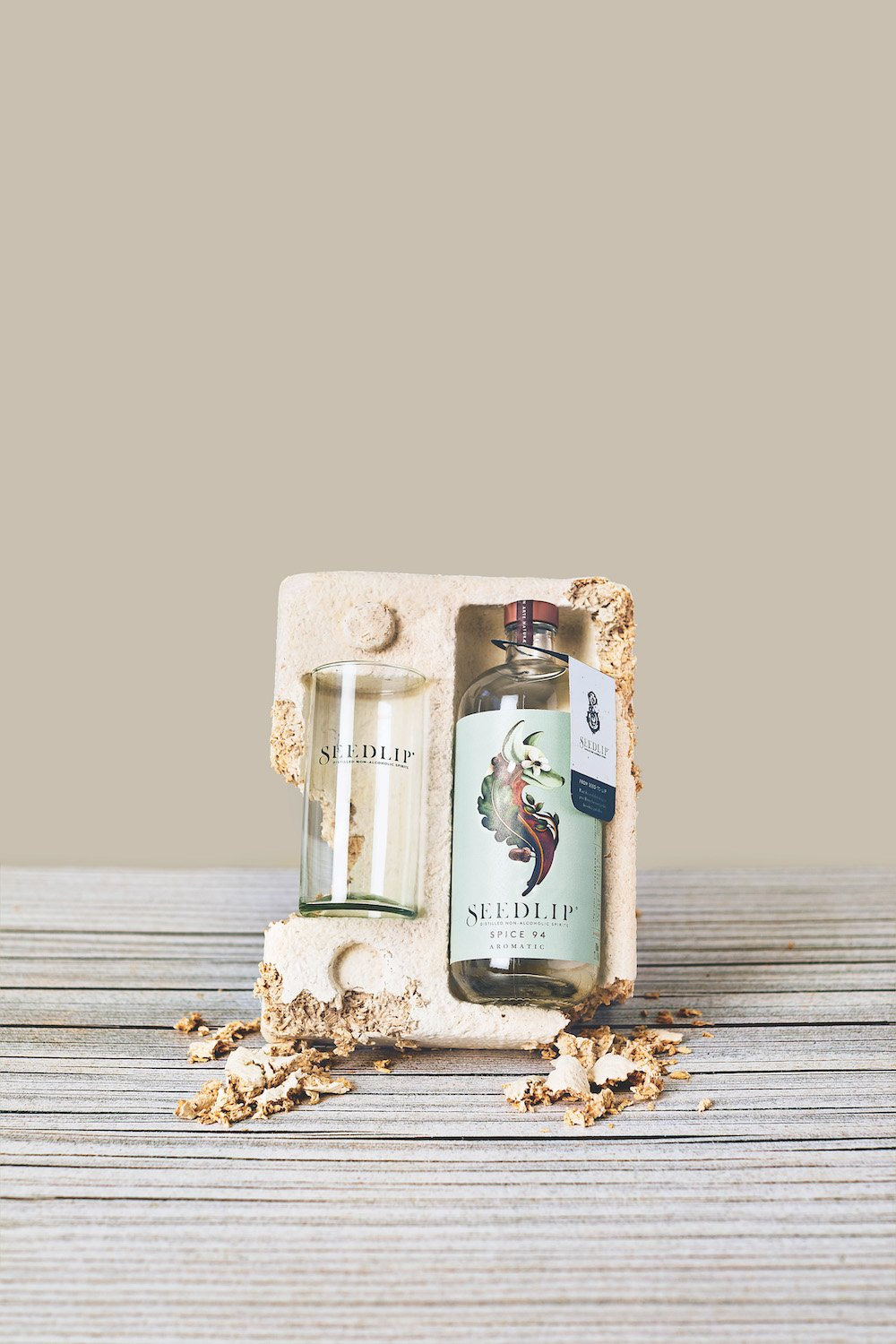 Seedlip's fully sustainable gift packaging uses composed of biomass and mycelium