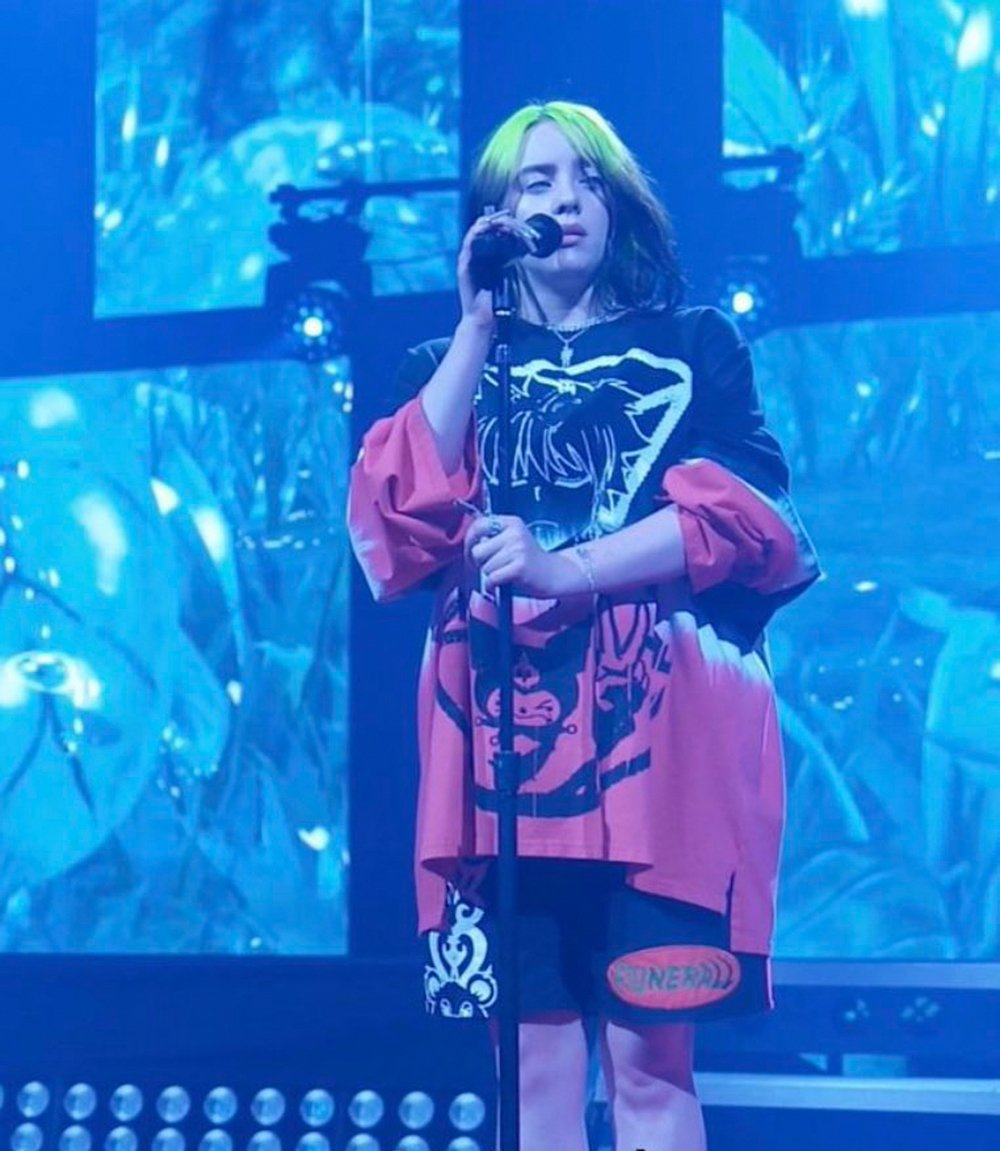 Singer Billie Eilish gives a virtual performance at CES 2021 © CES